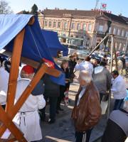 U Koprivnici ribolovci građanima  podijelili fiš